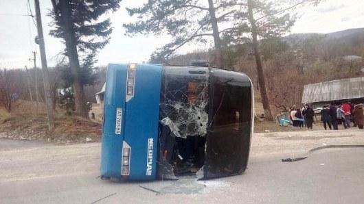 НаПрикарпатье перевернулся пассажирский автобус